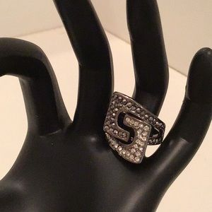 Guess brand ring